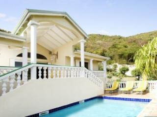 Brilliant 3 Bedroom Hillside Villa overlooking Orient Bay - Orient Bay vacation rentals