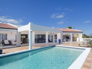 4 Bedroom Villa with Ocean View in Dawn Beach - Dawn Beach vacation rentals
