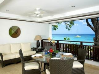 Immaculate 3 Bedroom with Private Terrace in Paynes Bay - Saint James vacation rentals