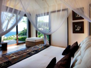 5 Bedroom Villa on the Heights of Anse des Cayes - Anse Des Cayes vacation rentals