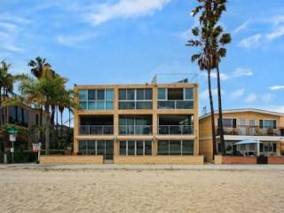 Nantasket Bayfront- Elegant 3BR Luxury Home - San Diego vacation rentals