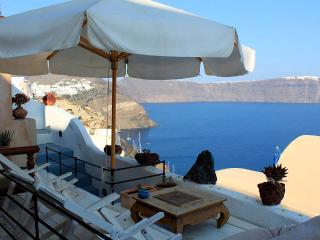 Zoe House 2 - Traditional cave house with fantastic seaview in Oia - Oia vacation rentals