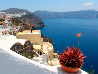 Zoe House 1 - Traditional cave house with fantastic seaview in Oia - Oia vacation rentals