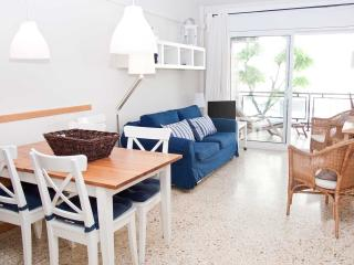 LIGHTHOUSE apartment with pool, garden and AC - Sitges vacation rentals