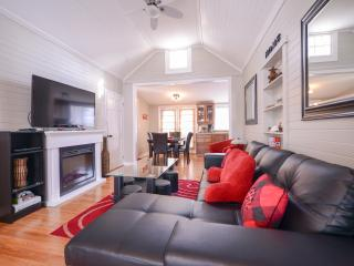 Niagara by the Beach - Walk to the Beach! - Niagara Falls vacation rentals
