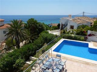 Holiday house for 11 persons, with swimming pool , near the beach in Calpe - Costa Blanca vacation rentals