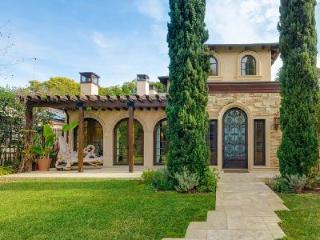 Tuscan Santa Monica with high-def theater, steam room, saltwater pool & short walk to the beach - Santa Monica vacation rentals