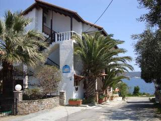 EOLOS APARTMENT AMMOYLIANI - Ammouliani vacation rentals