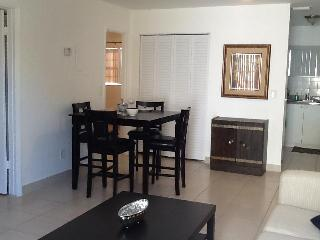 5 Minutes To Beach 15 To Airport! - Hollywood vacation rentals