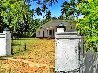 03 B/R Villa in Unawatuna - Sri Lanka vacation rentals