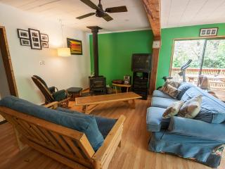 Gordo's Beach House -Private Rooms, 2mins to beach - Tofino vacation rentals