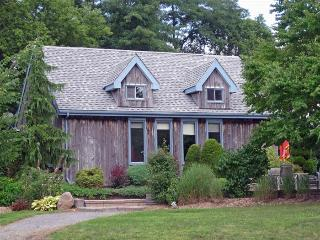 Bloomfield Garden Cottage - Prince Edward County vacation rentals