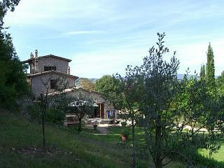 Villa with swimming pool in the beautiful countryside of Terni - one week in paradise - Terni vacation rentals
