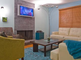 Seventh Haven - Downtown Condo With A Pool (NEW!!) - Austin vacation rentals