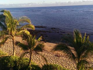 Panoramic Ocean View from Beachfront Condo - Waialua vacation rentals