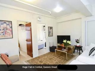 2 BR Huge Flat in Central@Queens Road - Hong Kong vacation rentals