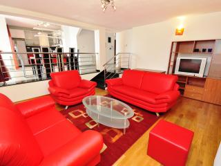 Luxury apartment Red with Balcony - Kastel Gomilica vacation rentals