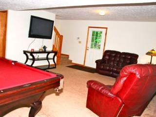 Maple Moose Lodge - Thornhurst vacation rentals