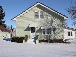Stately 1925 furnished 2 story, 4 bedroom, 2 bath home - North Dakota vacation rentals