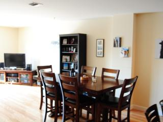 Perfect Superbowl Apartment - 20 min train to game - Greater New York Area vacation rentals