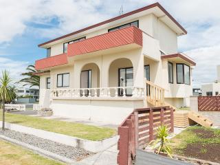 Sand Castles - Mt Maunganui Holiday Home - Bay of Plenty vacation rentals