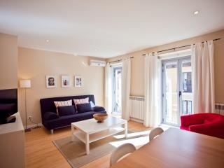 Bright Apartment With Balconies - Madrid vacation rentals