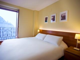 3 Bedroom with 2 Full Bathrooms - Madrid vacation rentals