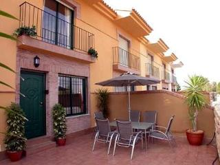 Murcia Spain - Luxury Townhouse Air Con, Free Wi-fi, Pool and in walking distance to the beach. - Santiago de la Ribera vacation rentals