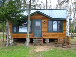 Boulder Juntion 2 bdr 1 bath Lakefront Cabin - Boulder Junction vacation rentals