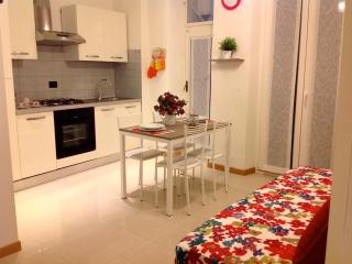 Apartment For 4/5 Persons Nearby Main Station - Florence vacation rentals