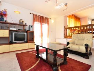 Luxury apartment Cream with Jacuzzi - Kastel Gomilica vacation rentals