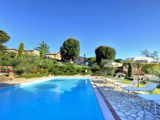 Cottage Podere Chianti in the heart of Chiantishire - Tuscany vacation rentals