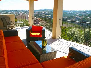 Hill Country Suite - 2nd Floor, Breathtaking View! - Austin vacation rentals