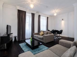 The Knightsbridge 2 Bedroom 1 Bathroom Apartment - London vacation rentals