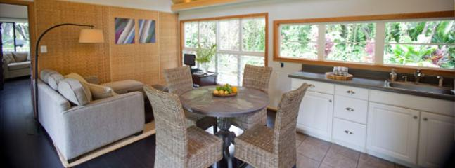 Living Room - Windward Garden Aloha Cottage - Haiku - rentals