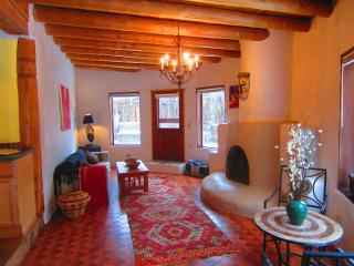 Sister Casita - Charming Taos Adobe! - Taos vacation rentals