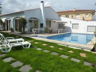Holiday house for 13 persons, with swimming pool , in Miami Playa - Costa Dorada vacation rentals