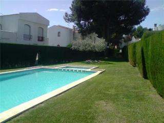 Holiday house for 5 persons, with swimming pool , in Miami Playa - Costa Dorada vacation rentals