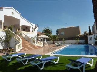 Holiday house for 12 persons, with swimming pool , near the beach in Cambrils - Cambrils vacation rentals