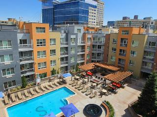 BOOK ONLINE! Perfect Denver Location! POOL! STAY ALFRED ST2 - Denver vacation rentals