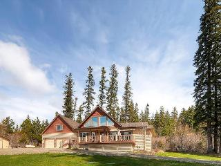 Over the TOP 5BD Private 4.5 acre Home! Near Lake Cle Elum*AC,Hot Tub* Slp14 - Cle Elum vacation rentals