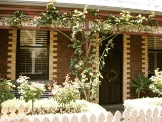 Elegant Suite on the edge of Melbourne CBD - South Melbourne vacation rentals