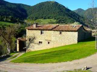 Eco Cottage in the Pyrenees, close to Barcelona - Bellver de Cerdanya vacation rentals