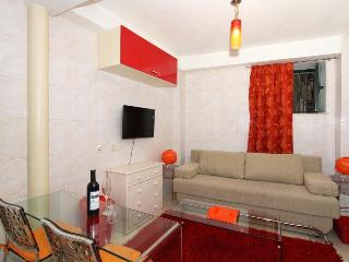Apartment Tomo in the old center - Split vacation rentals