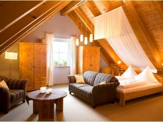 Vacation Apartment in Deggenhausertal - 431 sqft, comfortable, natural, quiet (# 4950) - Deggenhausertal vacation rentals