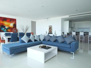 3 Bedroom Seaview Penthouse Surin Beach 271m2 - Thalang vacation rentals