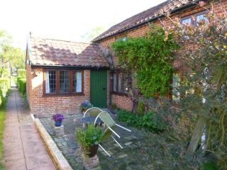 Mistletoe Cottage - Visit England 4STAR - Peasenhall vacation rentals