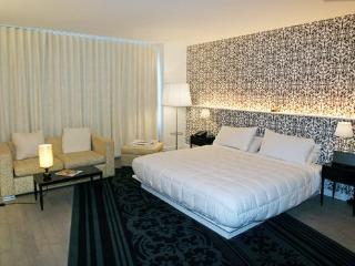 Chic Condo - Amazing Location & Amenities - Fort Lauderdale vacation rentals