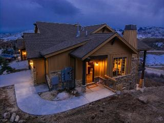 Black Rock Private Retreat with 3 Bedrooms and Private Outdoor Hot Tub - Park City vacation rentals