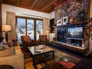 The Ridge 7 with Private Ski Trail, 2 Bedrooms, Sleeps 8, and Epic Mountain Views - Park City vacation rentals